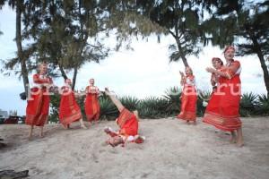 Танец невесты и подружек.
